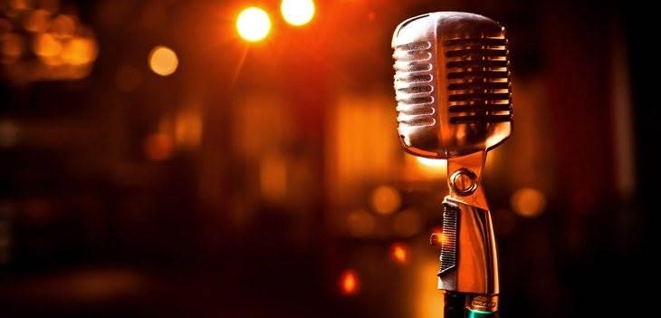 Aplicativo de Cantar – 9 Aplicativos de Karaokê no Celular!